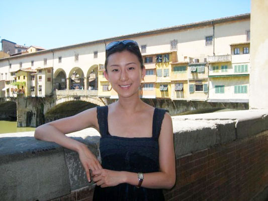 "Soojeong Joo, a pianist with the program in 2008, is captured here on an excursion to Florence at the Ponte Vecchio...but, where's her ""Babbino caro?"""